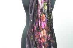 Schal violett mit Blumen